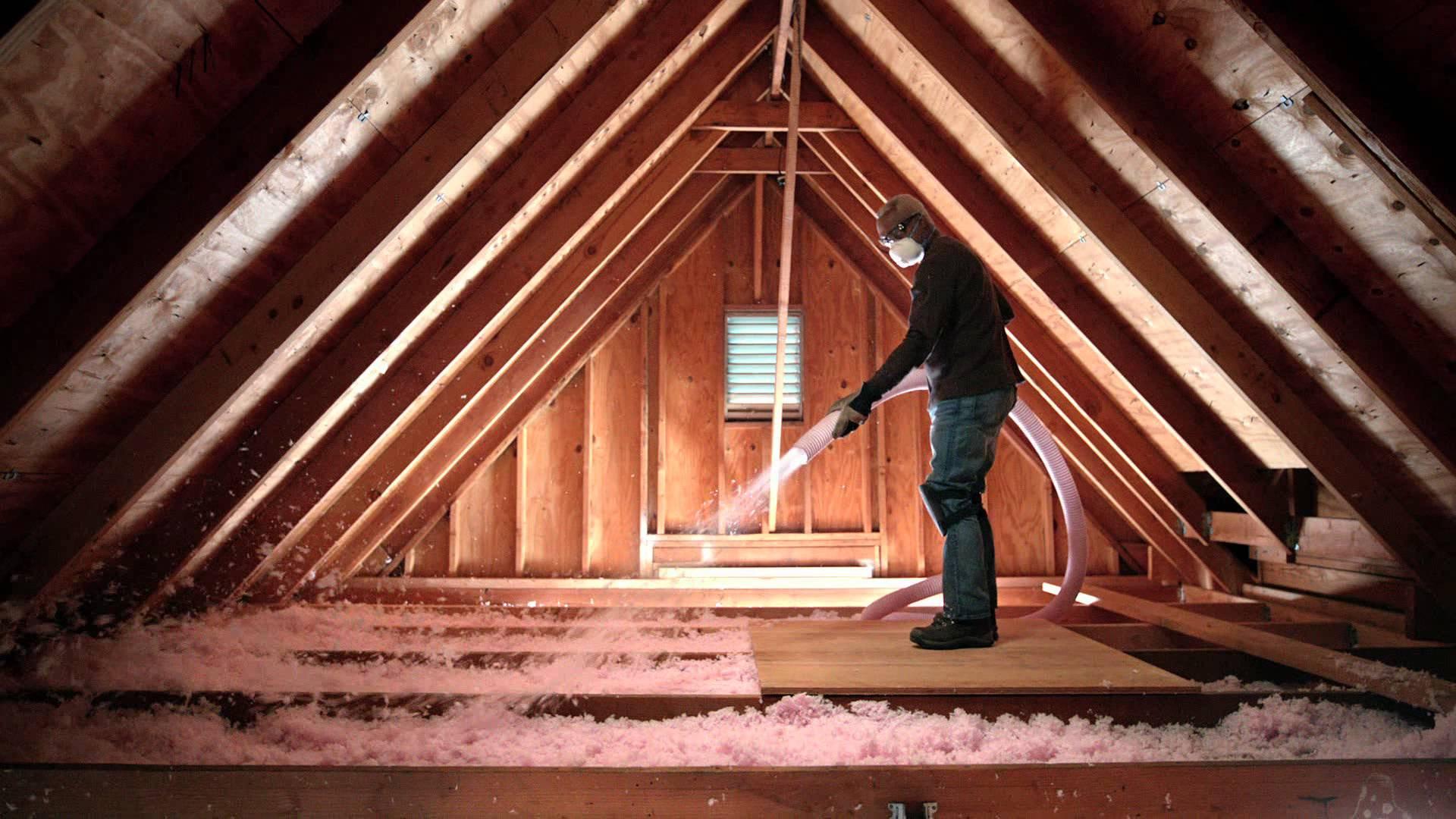 Zateplení ploché střechy - foukaná izolace CIUR