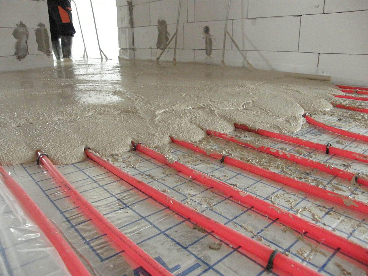 Lití anhydritové podlahy v tělocvičně