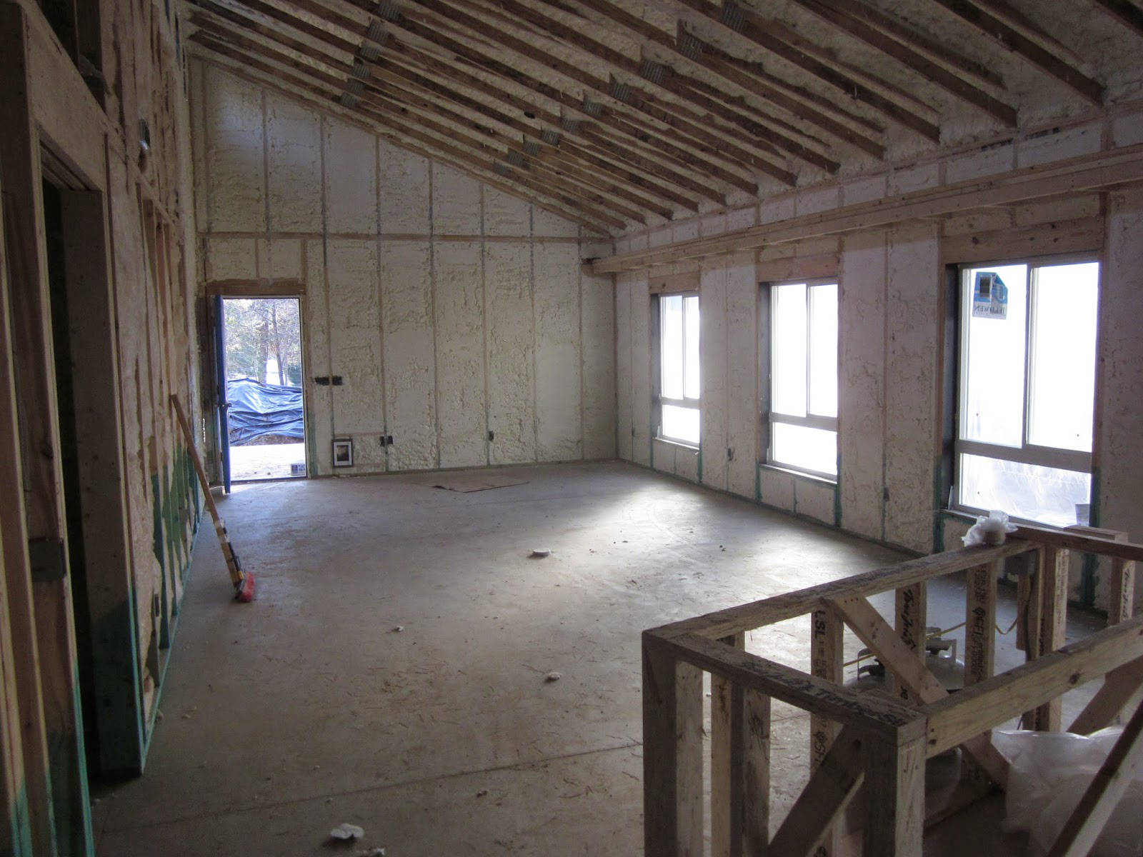 Zaizolovaný dům měkkou pěnou S-OC-010