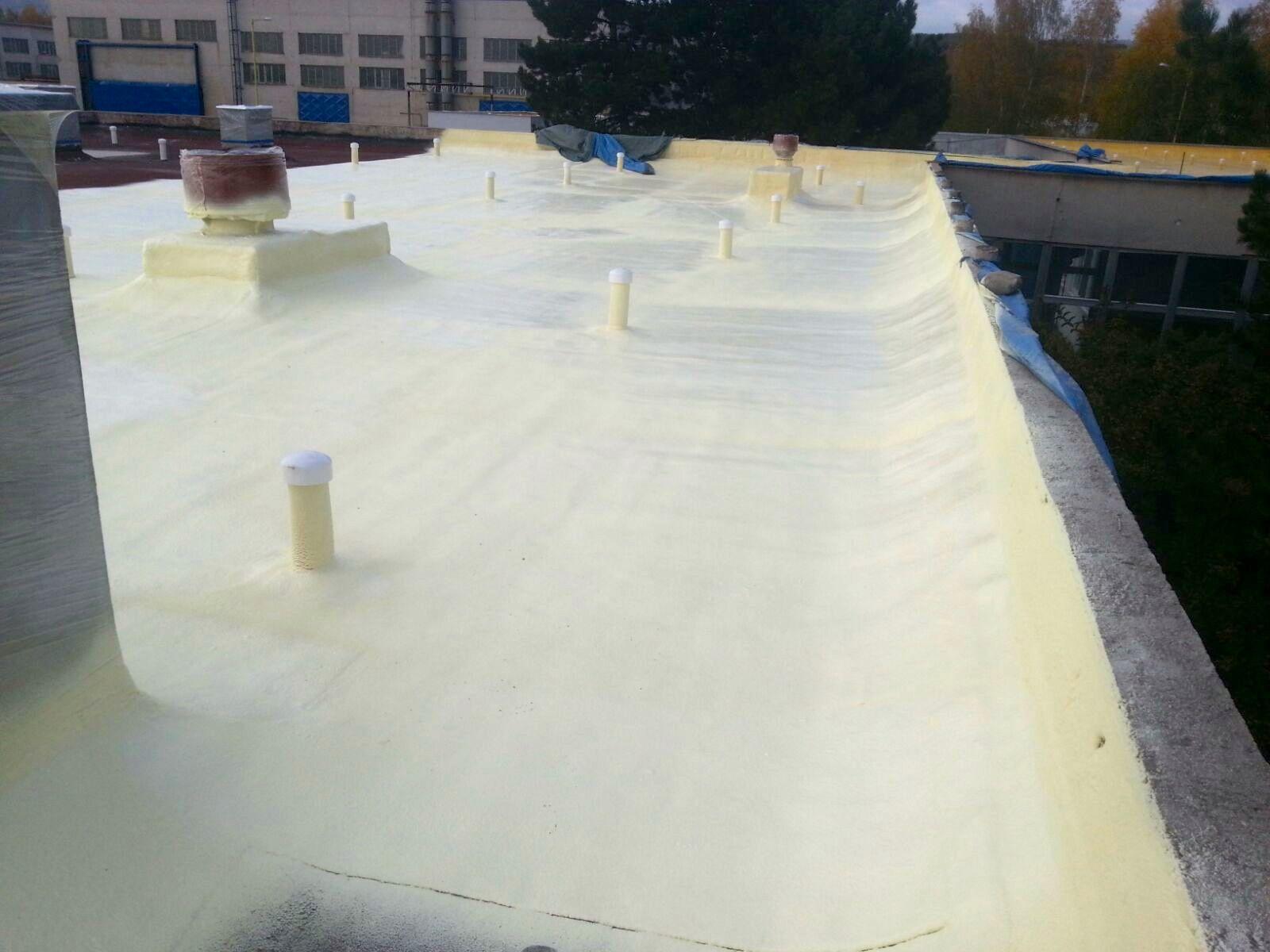 Aplikace PUR pěny H Roof